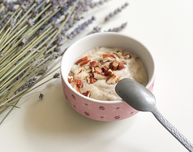 Preprost sladoled, ki si ga lahko privoščite brez slabe vesti (brez posebnih pripomočkov)